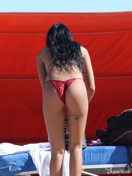 Nabilla benattia bikini
